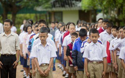 """""""ร้อยพลังการศึกษา"""" พาแอ๋วเหนือ เยือนโรงเรียนทุ่งหัวช้างพิทยาคม สัมผัสวิถีชีวิตโรงเรียนชาวเขาปกาเกอะญอ"""